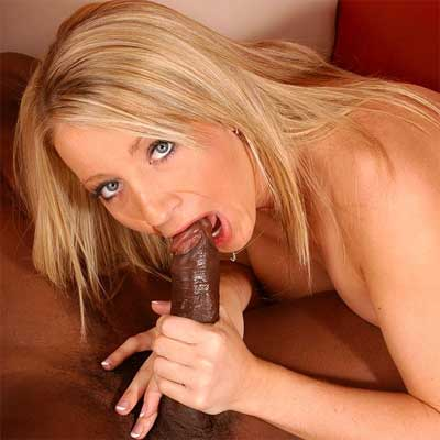 File:Barbie-cummins-blowjob.jpg